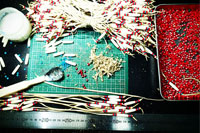 ネックレス プレゼント 鹿革を削ぐ