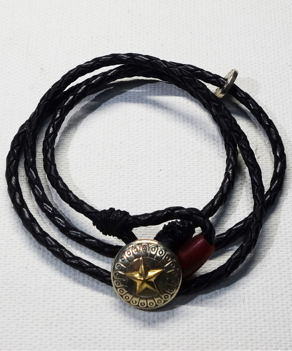 LEATHER  CONCHO BRACELET(3重巻レザーコンチョブレスレット)